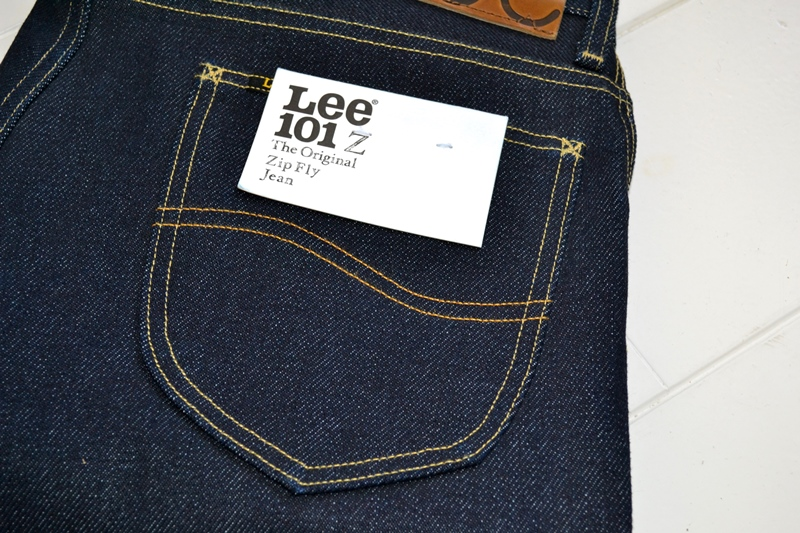 lee-101z-jeans-denim-long-john-blog-blue-blauw-23oz-limited-edition-250-pieces-usa-denim-selvage-selvegde-golden-brown-zipper-lazy-horn-button-leather-patch-2013-right-hand-