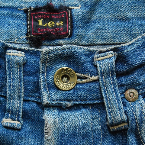 lee jeans vintage long john blog blue denim jeans ragtop clothing market david white 1945 selvage selvedge patch label needle spijkerbroek oud versleten blauw inseam pocket 5 pocket rivet rivets (2)