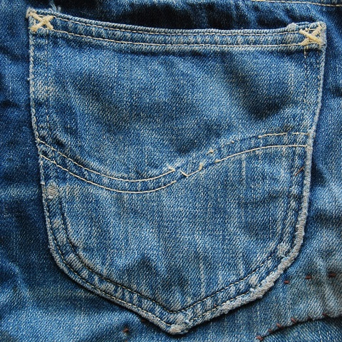 lee jeans vintage long john blog blue denim jeans ragtop clothing market david white 1945 selvage selvedge patch label needle spijkerbroek oud versleten blauw inseam pocket 5 pocket rivet rivets (5)