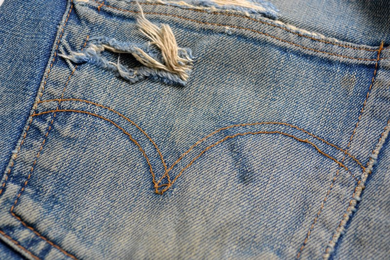levis-jeans-long-john-blog-vintage-button-16-original-usa-faded-fadedjeans-fadeddenim-bige-big-e-red-tab-redtab-washed-out-worn-out-old-levi-strauss-denimcollector-verzamelaar-1