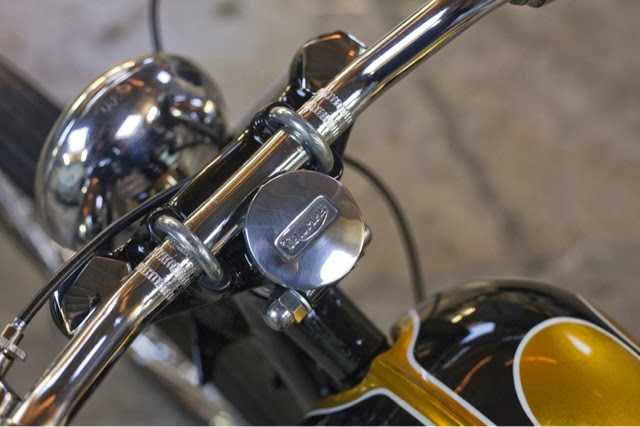 long john blog gaston FlakeKings flakekings eindhoven hollan nl 1952 Triumph Pre-Unit Chopper 650cc. pre-unit painkiller triumph bikers bike for sale custommade handmade yellow ride of the day   (10)