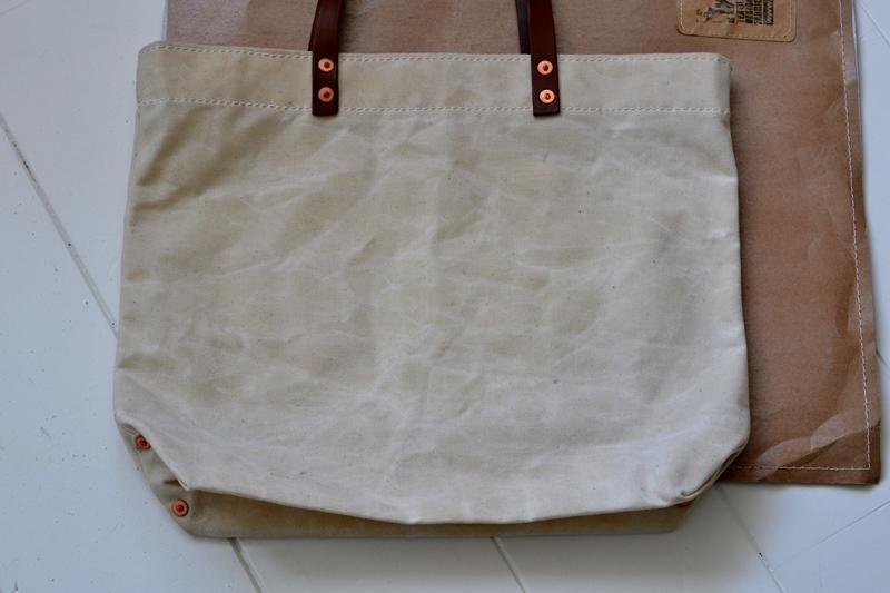 lvid utrecht holland long john blog bag totebag shopper canvas deadstock handmade handgemaakt leather strap rivet rivets nails (11)
