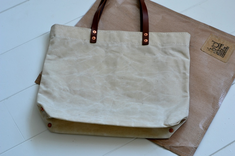 lvid utrecht holland long john blog bag totebag shopper canvas deadstock handmade handgemaakt leather strap rivet rivets nails (3)