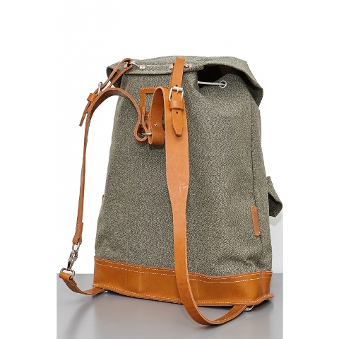 nigel-cabourn-atelier-de-larmee-bag-bagpack-long-john-blog-2016-limited-edition-special-army-military-green-leather-amsterdam-uk-cognac-4