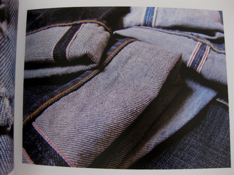 piero turk long john blog details book a life with denim italy jeans denim selvage buttons fabric close-up blue worn-out tear designer consultant manic monkeys (13)