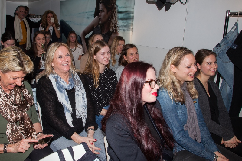 sOliver Oliver long john blog clothing germany hartenstraat amsterdam nl holland jeans denim workshop presentatie lecture fred van leer styling stylist blogger event bloggers blauw blue pop-up store (13)