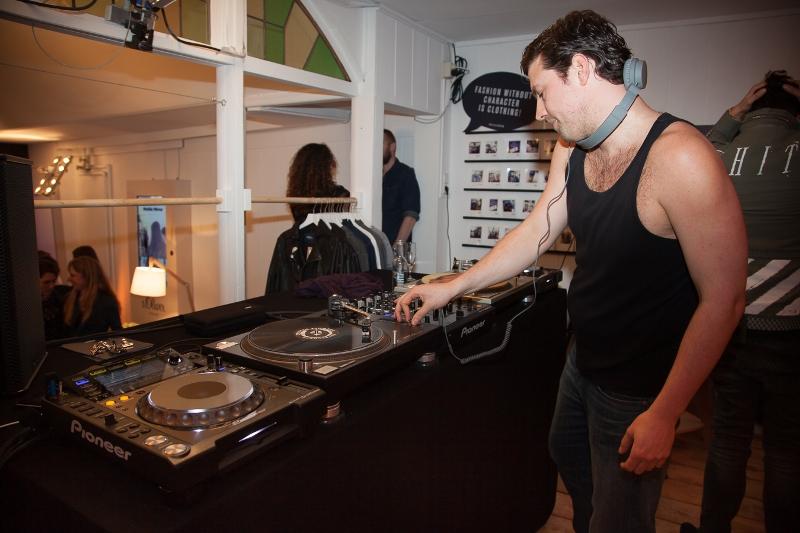 sOliver Oliver long john blog clothing germany hartenstraat amsterdam nl holland jeans denim workshop presentatie lecture fred van leer styling stylist blogger event bloggers blauw blue pop-up store (16)