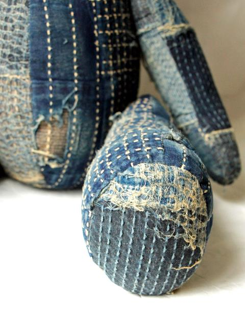 teddy bear kapital clothing long john blog japan rags boro sashiko stitching repair patched patch work handmade workwear jeans denim selvage selvedge buttons blue blauw teddy beer shades (2)