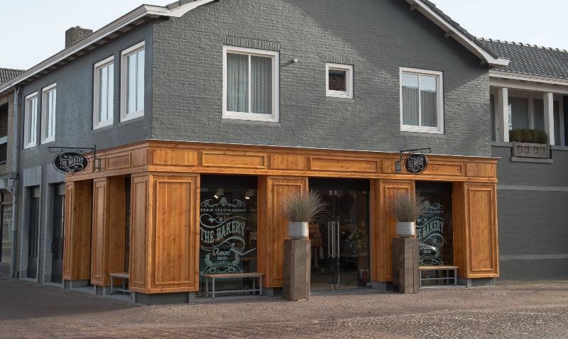 the bakery long jonh blog store shop blue jeans denim bread brood reusel holland redwing denham koi kings of indigo bakkersstraat opening 2015 open nieuw new indigo fresh vers (2)