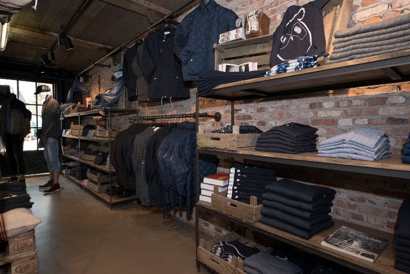 the bakery long jonh blog store shop blue jeans denim bread brood reusel holland redwing denham koi kings of indigo bakkersstraat opening 2015 open nieuw new indigo fresh vers (9)