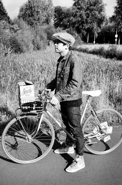 the-denim-run-long-john-blog-jeans-denimride-bikes-bicycle-eindhoven-nederland-the-netherlands-blue-indigo-2016-part-4-wing-mok-emiel-gerardu-het-verzet-wielerhuis-13